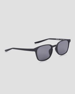 نظارة شمسيه نايك